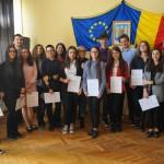 """70 elevi ai Colegiului Național """"Petru Rareș"""" din Suceava au obținut diploma DSD1"""